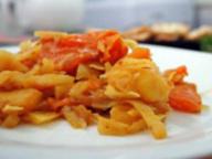 Капуста и картофель, тушеные по-индийски