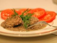 Филе миньон в коричневом соусе с грибами