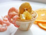 Салат с креветками, апельсинами и рисом
