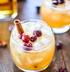 Алкогольный яблочный коктейль с клюквой и корицей