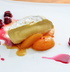 Французский десерт: сыр бри с абрикосами